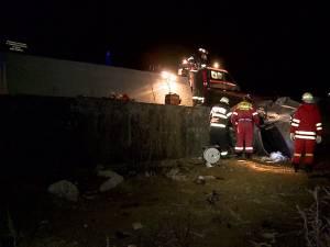 Un tânăr mort, alţi trei răniţi, după ce s-au răsturnat cu BMW-ul lui Robert Marian