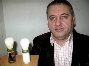 Corneliu Vornicu şi pensoanele pentru bărbierit cu rezervă şi motoraş