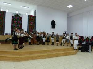 """Grupul folcloric """"Dor"""" din Moara"""