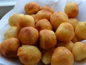 Bulete de cașcaval. Foto: miraskitchen.blogspot.com