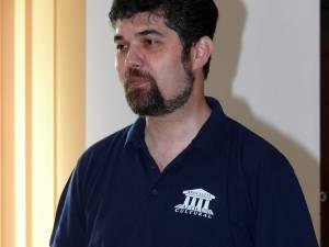 Preotul Liviu Mihăilă, candidatul PNL pentru funcţia de primar al municipiului Fălticeni