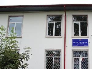 """Direcţia de Sănătate Publică (DSP) Suceava a declarat focar de oreion la Liceul Tehnologic """"Ion Nistor"""" din Vicov de Sus"""