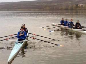 Sportivii din judeţ au început mult mai repede antrenamentele pe apă