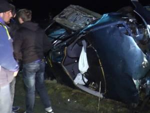 Un tânăr mort, altul rănit, după un accident din cauza vitezei excesive