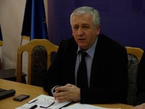 Prefectul Constantin Harasim a spus că analizele efectuate de DSP Suceava au arătat că nu sunt probleme în alimentarea cu apă a populaţiei