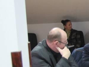 Doar primarul Andriciuc şi secretara ştiu cu certitudine ce este în spatele proiectelor adoptate