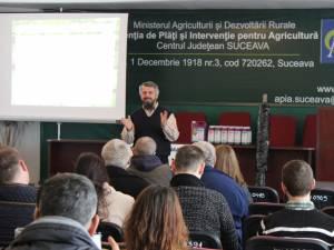 Dr. ing. Nelu Orlaie le-a expus agricultorilor suceveni oportunităţile de dezvoltare a unor afaceri de succes
