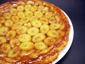 Tartă rapidă cu banane și ciocolată. Foto: recetinesasgaya.blogspot.com