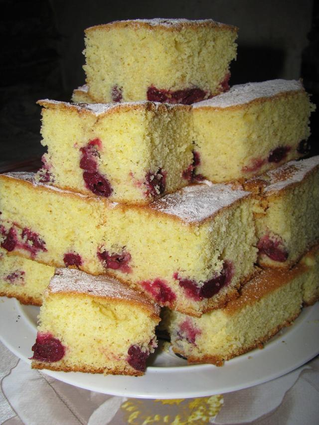 Prăjitura cu vișine congelate