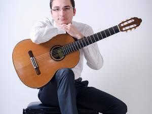 Chitaristul Dan Alexandru Arhire
