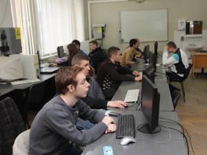 15 elevi suceveni s-au calificat la Olimpiada Naţională de Informatică