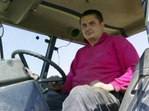 Vasile Costan nu a renunţat la principala sa ocupaţie, agricultura