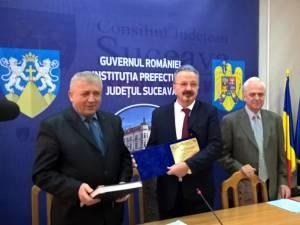 """Fostul şef al Serviciului Judeţean de Ambulanţă Suceava, doctorul Daniel Martiniuc, a fost inclus în """"Cartea de onoare a valorilor bucovinene"""""""
