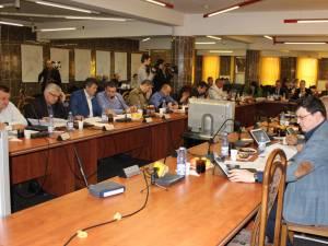 Consiliul Local Suceava a decis ca strategia de termoficare să fie cea în sistem centralizat, chiar dacă reprezentanţii PSD nu au zis nici da, nici ba