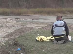 Un copil a murit înecat în râul Moldova, sub ochii altor doi copii