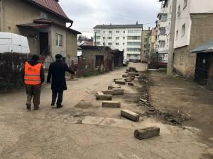 Primăria Vatra Dornei a început lucrările de modernizare a străzilor
