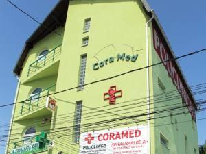 Centrul Medical CoraMed, situat în capătul cartierului Obcini, lângă sensul giratoriu