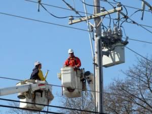 Vântul puternic din seara zilei de 1 aprilie a creat probleme serioase şi în alimentarea cu energie electrică - Sursa: redesteptarea.ro