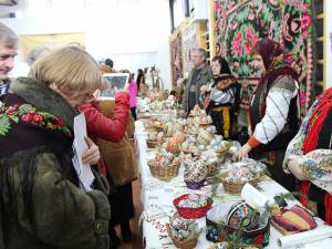 """Evenimentele vor începe cu """"Festivalul ouălor încondeiate"""" de la Ciocăneşti"""