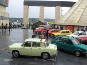 Sucevenii care vor să admire maşini de colecţie sunt invitaţi, duminică, la Retro Parada Primăverii