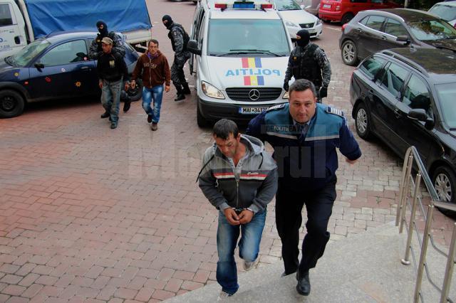 Cei trei fraţi au fost arestaţi preventiv pentru tentativă de omor