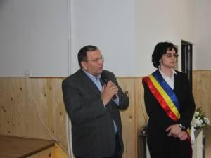 Angelica Fădor şi Gheorghe Flutur la inaugurarea căminului cultural din Iacobeni