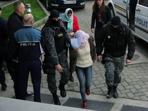 Persoanele vizate de anchetă au fost aduse la Parchetul de pe lângă Judecătoria Suceava
