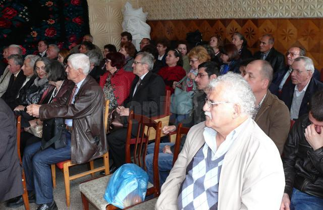 Membrii filialelor Societăţii pentru Cultura şi Literatura Română din Bucovina s-au întâlnit la Cernăuţi