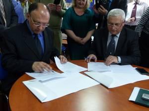 Inspectoratul Şcolar Suceava a semnat un acord de parteneriat cu Inspectoratul orăşenesc Cernăuţi