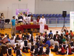 """Programul """"Sănătatea începe din farfurie"""", implementat la Şcoala Gimnazială """"Ion Creangă"""""""