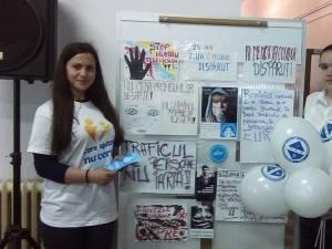 """""""Ziua Internaţională a Copilului Dispărut"""", marcată ieri de elevi rădăuţeni"""