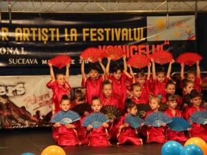 """Peste o mie de preşcolari la Festivalul """"Voinicelul"""", faza zonală Suceava"""