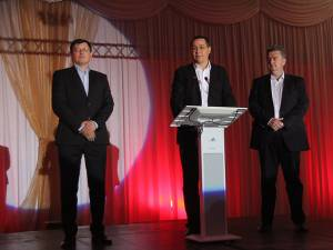 Fostul premier Victor Ponta a venit, ieri, la Suceava pentru a susţine candidatura doctorului Tiberius Brădăţan la primăria municipiului reşedinţă de judeţ, precum şi a celorlalţi candidaţi ai partidului, la alegerile de duminică