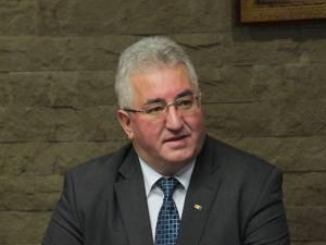 """Ion Lungu: """"În cursul zilei de astăzi vom semna contractul de achiziţie a cinci autobuze noi, de capacitate mică"""""""