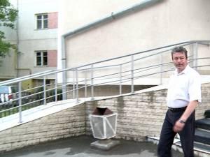 Comisarul-şef Cristinel Vasile Miron, şeful Biroului de Ordine Publică Fălticeni, a fost plasat în arest la domiciliu pentru o perioadă de 30 de zile