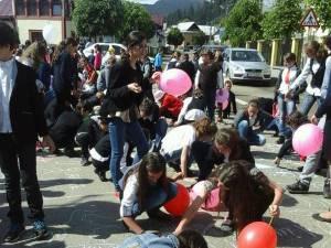 Activităţi la şcoala din Stulpicani