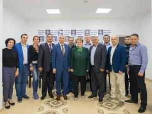 Cătălin Miron, preşedintele PNL Rădăuţi, sprijinit pentru funcţia de primar de un fost ministru al Muncii, Mariana Câmpeanu