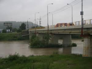 În ciuda ploilor abundente care s-au abătut peste întreg judeţul Suceava, până aseară, la ora 20.00, nu s-au înregistrat probleme ieşite din comun