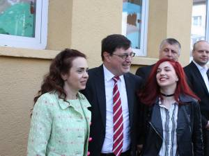 Tiberius Brădăţan a venit la vot alături de soţia sa şi fiica Daria, care a votat pentru prima dată