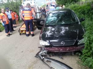 Accidentul s-a produs joi, în jurul orei 16.00, pe DJ 178, în satul Humoreni, comuna Comăneşti