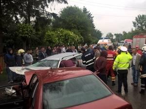 Accident cu opt răniţi la Bădeuţi, după ce un şofer a intrat brusc pe contrasens