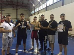 Antrenorii Radaviciute şi Mateiciuc, alături de sportivii care au participat la gala de la Bucureşti