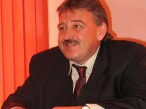 Marius Ursaciuc ne-a declarat, ieri, că prima măsură luată în noul mandat de primar a fost convocarea, astăzi, a unei şedinţe de îndată