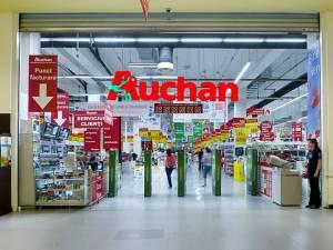 Reţeaua de hipermarketuri Auchan este pusă la dispoziţia acestora pentru desfacerea produselor fabricate în România