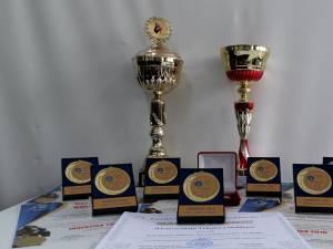 Două trofee şi opt medalii de aur pentru invenţiile universitarilor suceveni, la INVENTICA