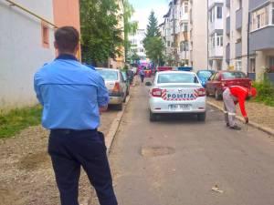 Guri de canal aruncate în aer după o puternică explozie produsă în cartierul George Enescu