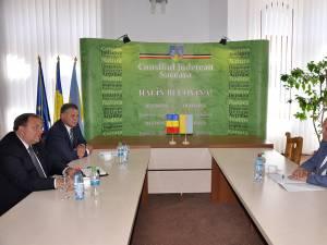 Întâlnirea dintre Gheorghe Flutur şi preşedintele Consiliului Regional Cernăuţi, Ivan Muntean
