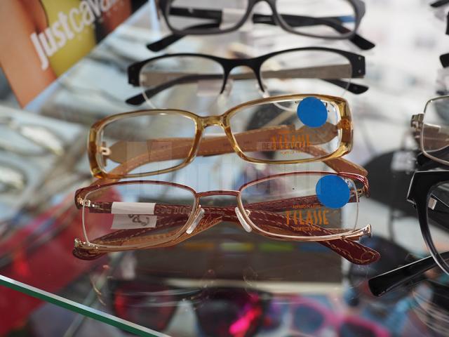 Reduceri de 50% la rame, consultaţii gratuite şi ochelari de calitate, la Eye's Optic Suceava