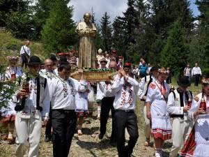 Procesiune impresionantă la Pleşa, la împlinirea a 180 de ani de la înfiinţarea localităţii