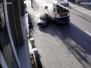 Impactul deosebit de violent, surprins video
